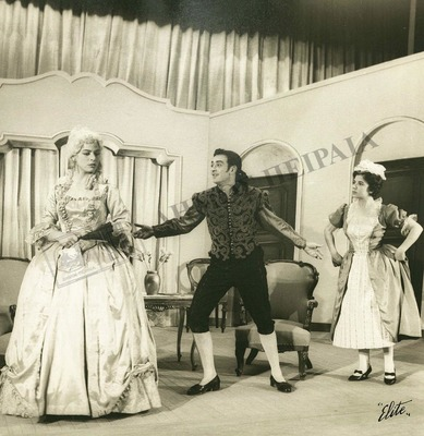 """Φωτογραφία από την παράσταση """"Οι γάμοι του Φίγκαρο"""""""